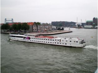 Esmeralda - Hotelboot